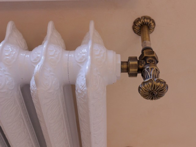 Радиатор в стилистике интерьера, классический дизайн