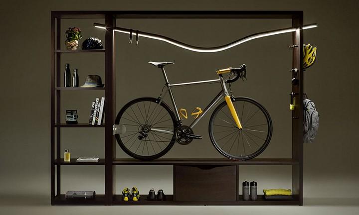Практичное хранение велосипеда в шкафу