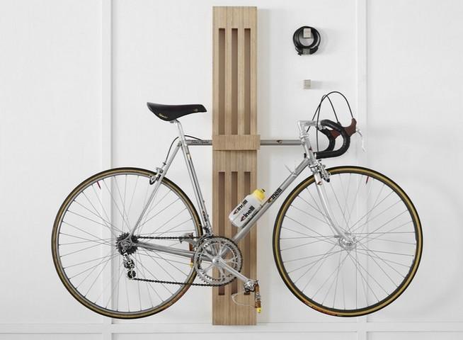 Крепление велосипеда на полку настенным способом