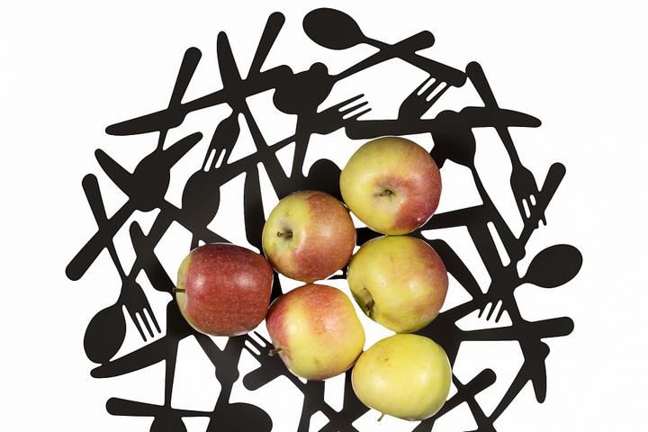 Блюдо под фрукты из спрессованных приборов