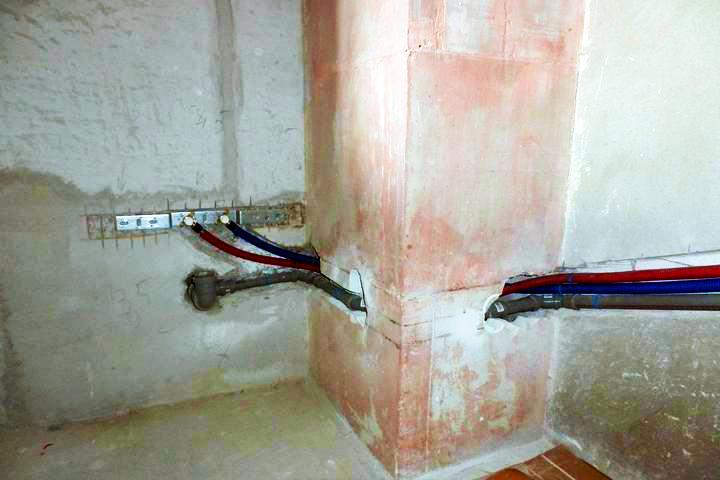 Врезание труб в стену вентшахты