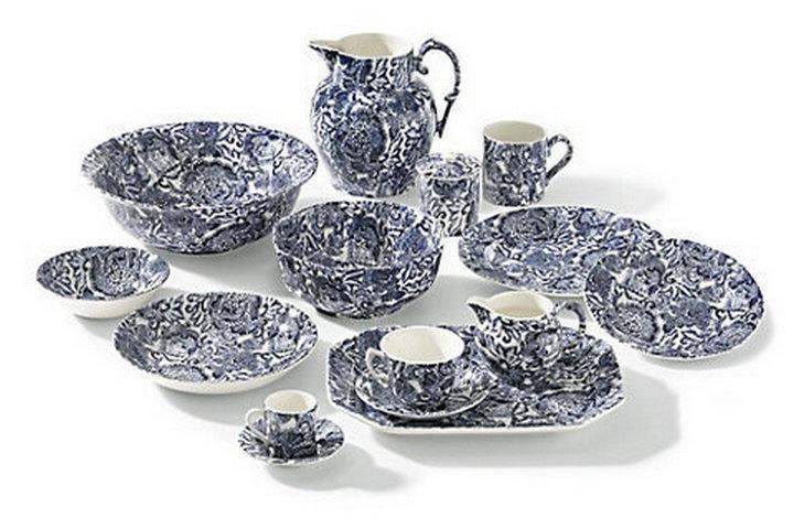 Коллекция посуды в синем цвете