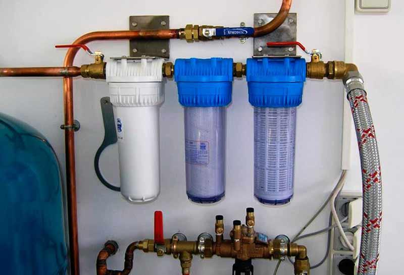 Магистральные фильтры установленные в квартире