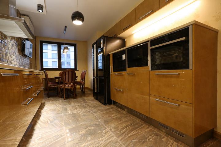Кухня по проекту Ремэлль с удобным расположением техники