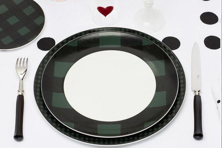 Зеленая тарелка из коллекции