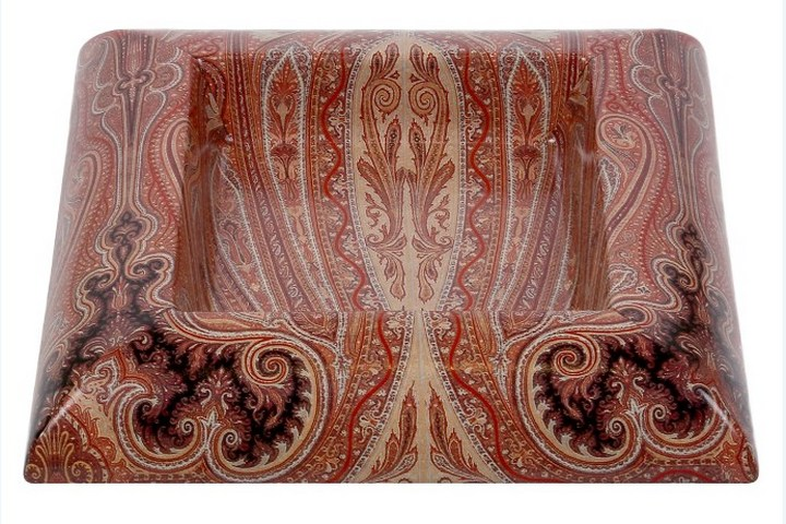 Глубокая тарелка квадратной формы с росписью