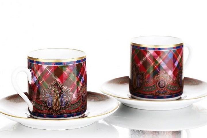Чашки из коллекции с принтом - шотландская клетка