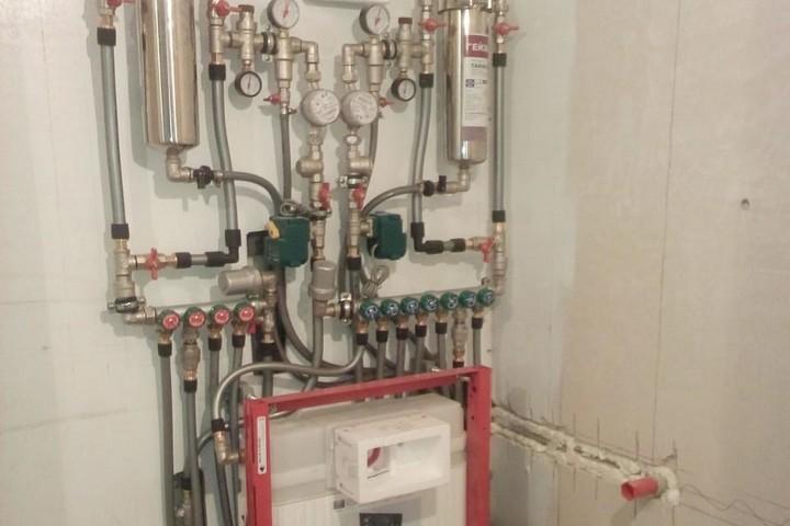 Сложная система водоснабжения с коллекторной схемой