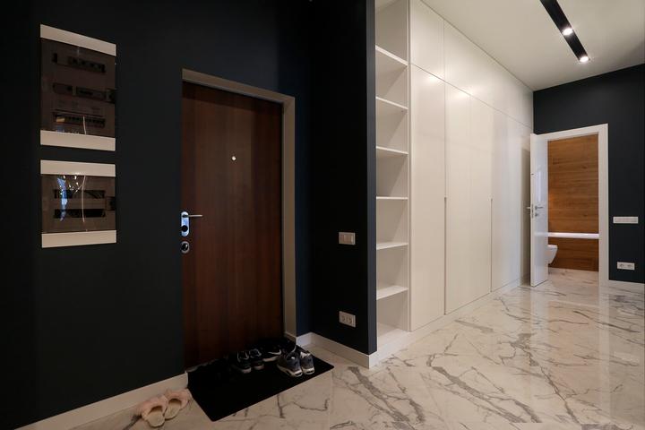 Встроенный шкаф в прихожей по проекту Ремэлль