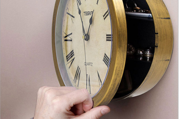 Винтажные часы с тайником