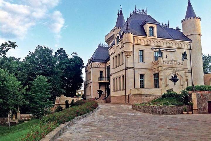 Подъездная дорожка к замку