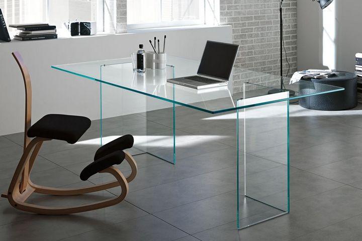 Стеклянный современный стол