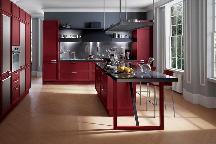 Кухня в сером и красном тонах