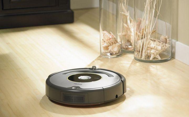 Робот-пылесос во время уборки