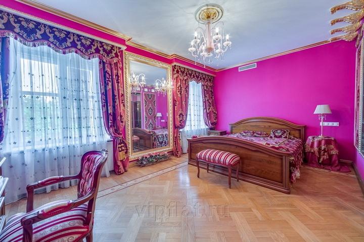 Гостевая спальня с розовых тонах