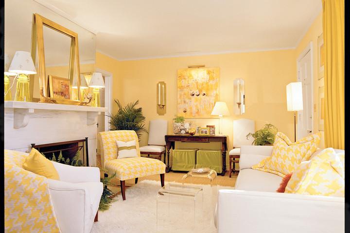 """Интерьер гостиной, окрашенной в цвет """"Солнечный луч"""""""