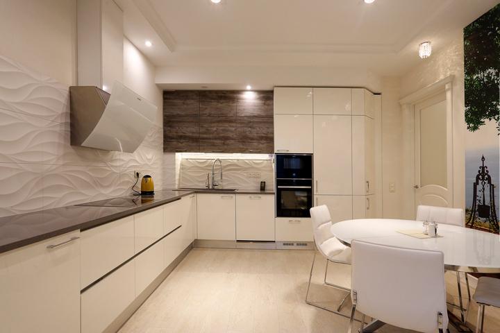 Перетекающее пространство кухни-столовой-гостиной