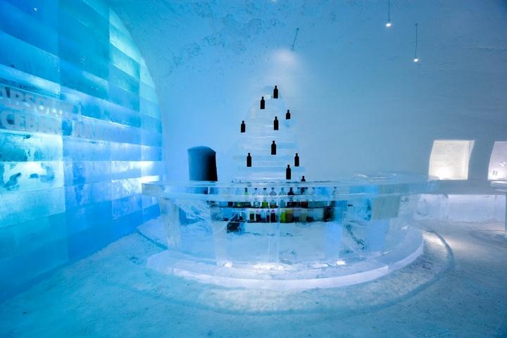 Бар в ледяном отеле
