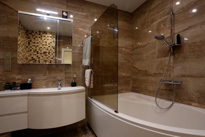Перегородка для ванны