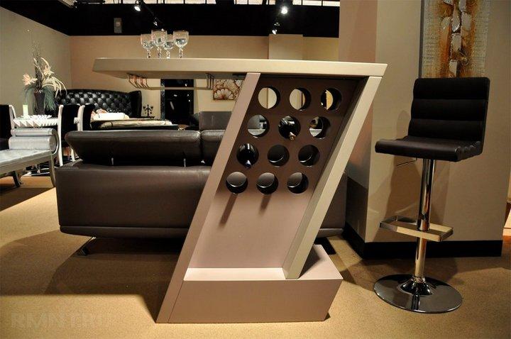 Мини-бар встроенный в барный стол