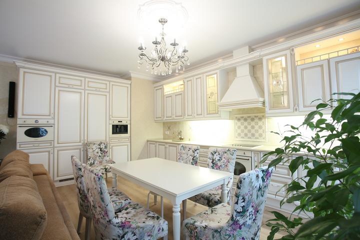 Интерьер в стиле Прованс с прямоугольным столом
