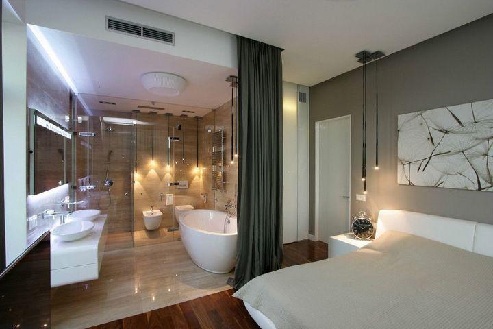 Прозрачная перегородка со шторой в спальне и ванной комнате