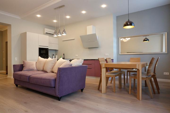 Стильный интерьер кухни-столовой-гостиной