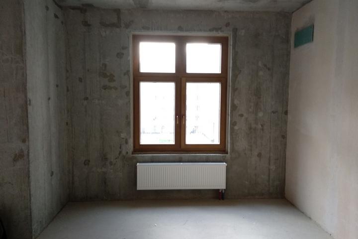 Окно, которое было всегда заставлено