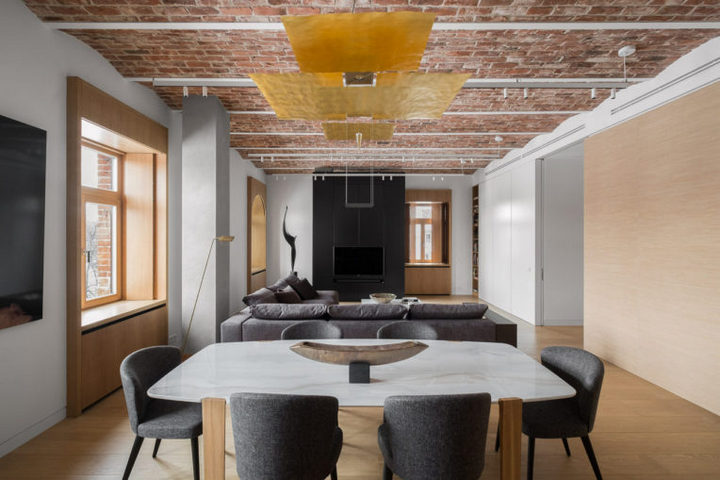 Потолок с антикварным кирпичом