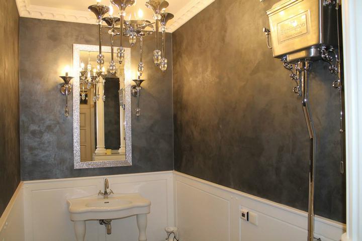 Шелковое покрытие в ванной