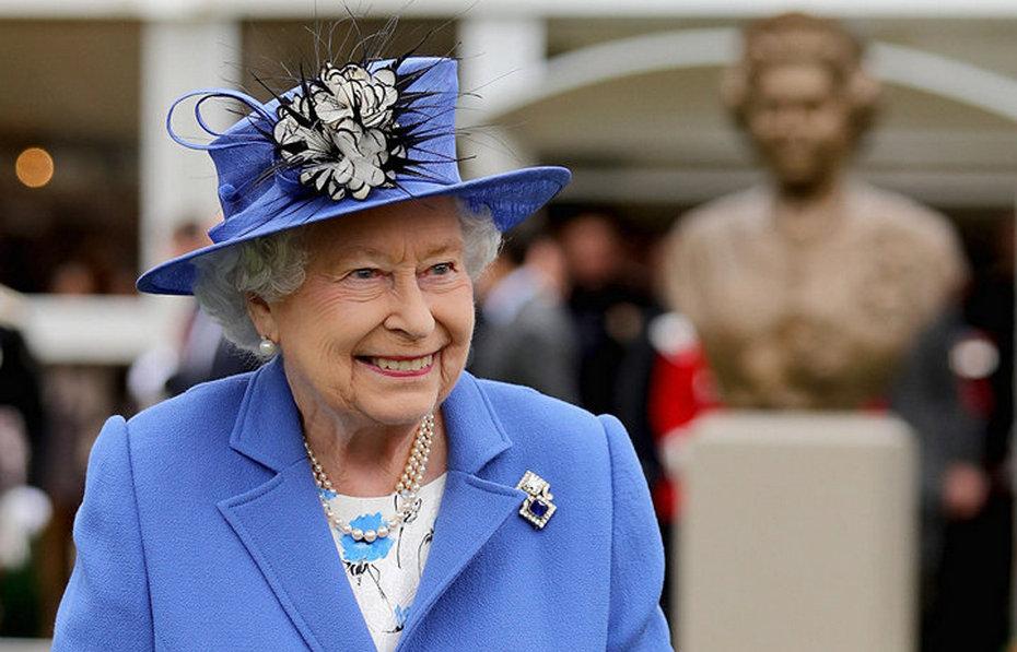 Английская королева - Елизавета вторая