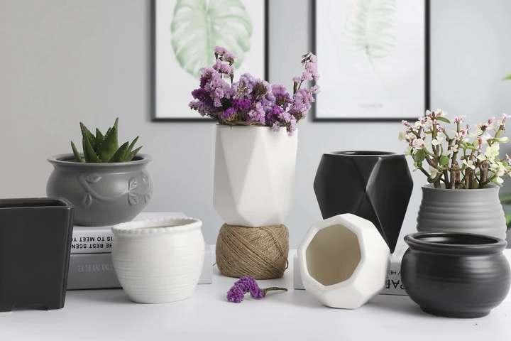 Стильные цветочные горшки из глины