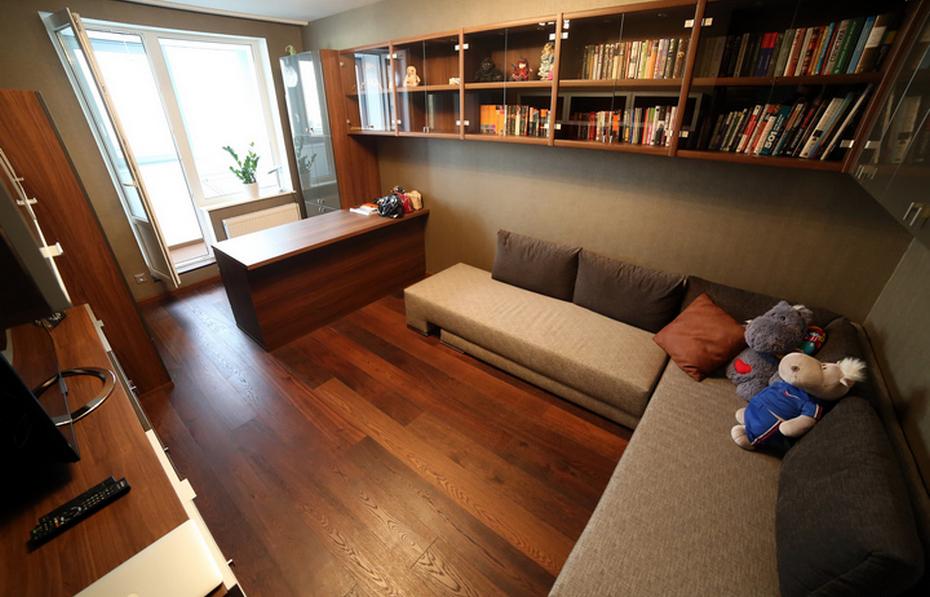 Подвесная система хранения в гостиной