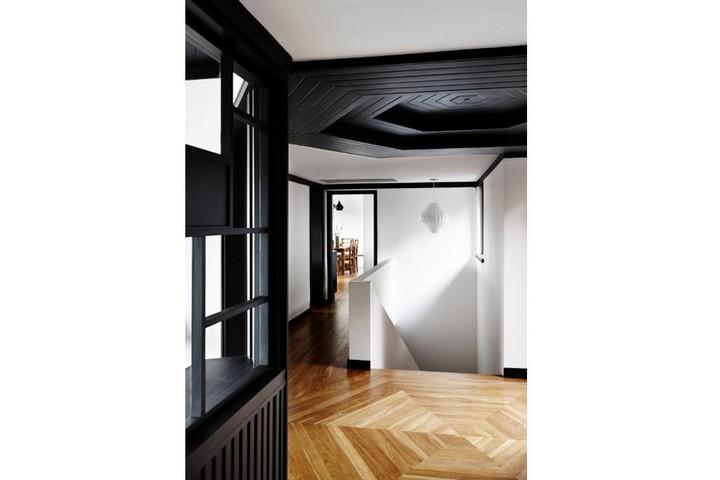 Симметричный рисунок пола и потолка