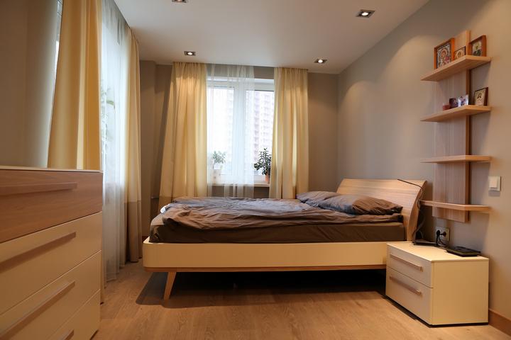 Кровать из дерева без места для хранения