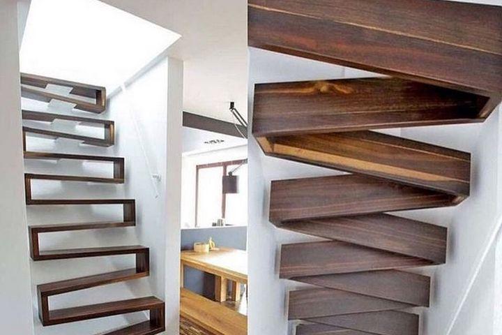Крутая лестница на чердак