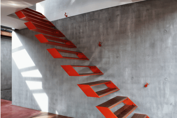 Яркие ступени со скрытым креплением