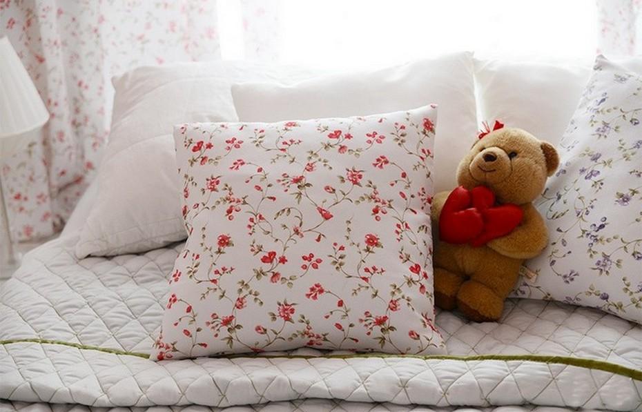Подушки для спальни