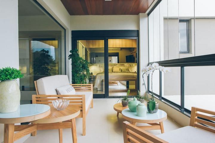 Терраса в квартире с зоной отдыха