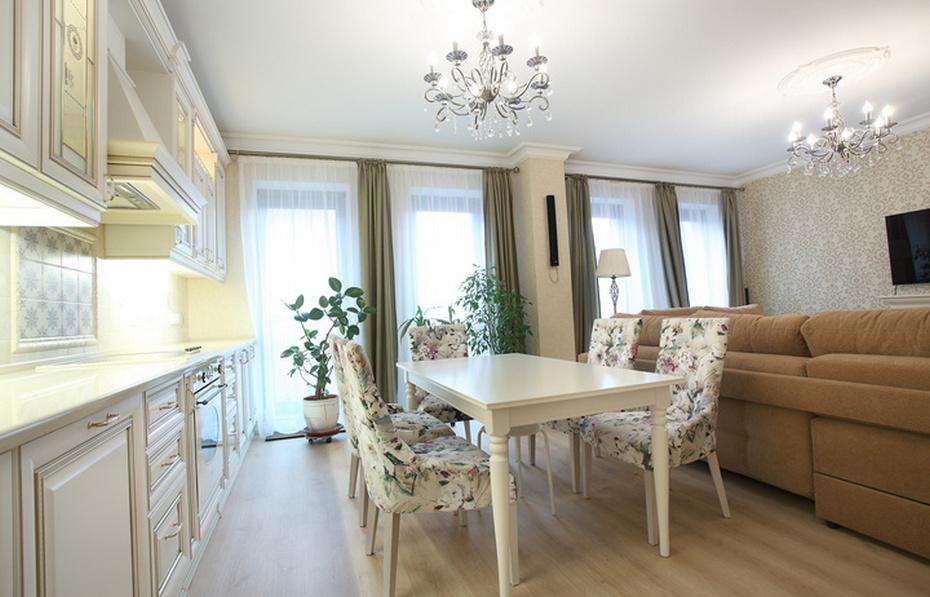 Просторная евротрешка с совмещенной кухней-гостиной