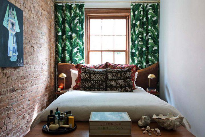 Спальня-лофт с кирпичной стеной
