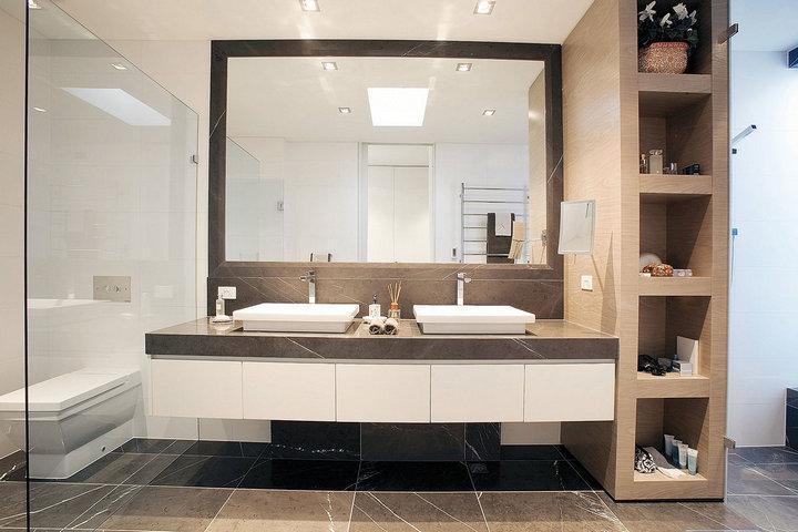 Раковины для двоих в ванной комнате