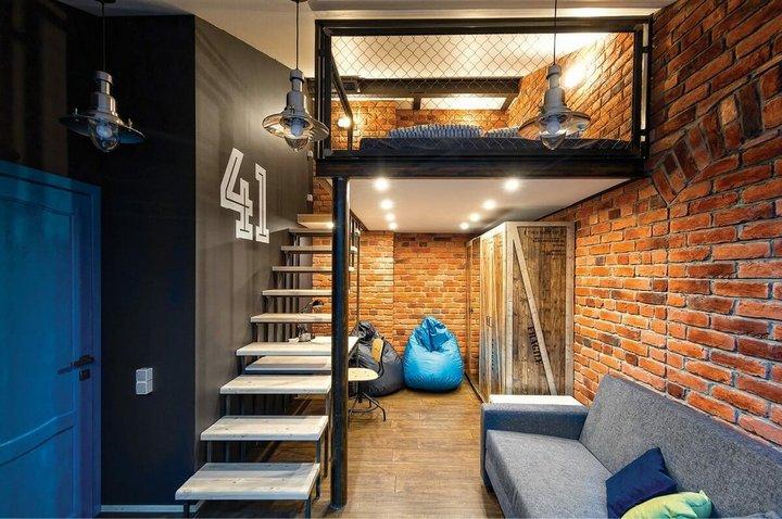 Спальня на антресольном этаже