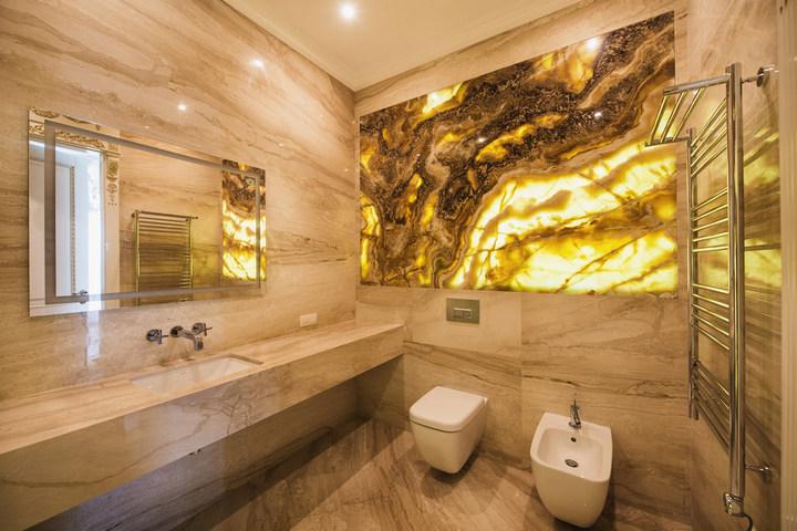 Мраморный декор в ванной комнате