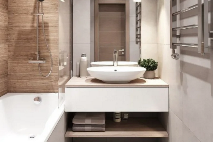 Санузел с ванной и прозрачной перегородкой