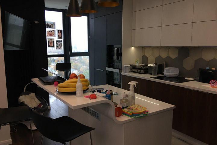 Бар-остров в кухонном пространстве