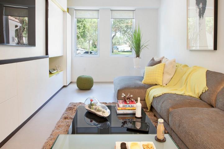 Контрастный цвет дивана