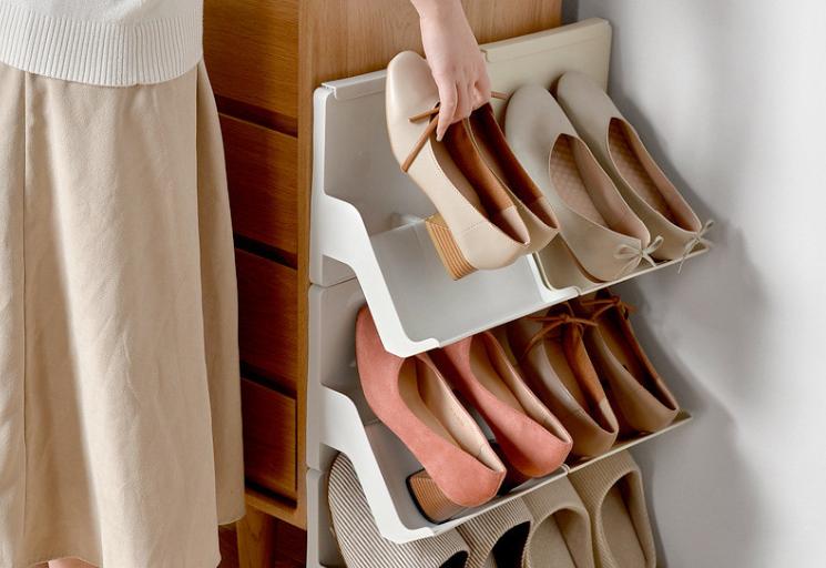Узкая полка для хранения обуви
