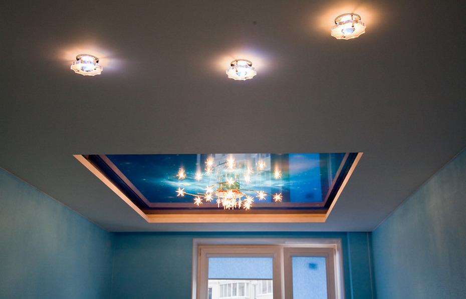 Сложный потолок с натяжным полотном и гипсокартоном