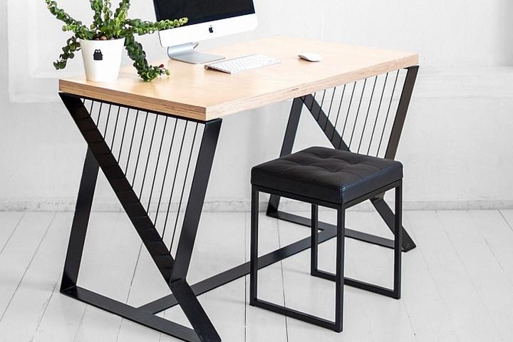 Рабочий стол с березовой фанерой натурального цвета